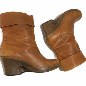 DANSKO 'Nena' Short Boots Size 9